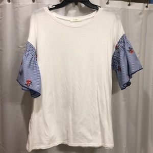 Tops - Super Cute T with amazing SLEEVE DETAIL!